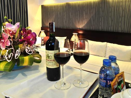 Hanoi Legacy Hotel - Hang Bac - Hanoi - Ruoka