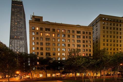 Dewitt Hotel and Suites - Chicago - Building