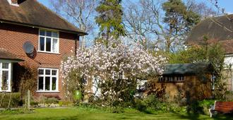 Hatsue Guest House - Camberley - Vista del exterior