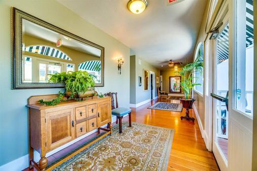 Found Hotel San Diego - San Diego - Hallway