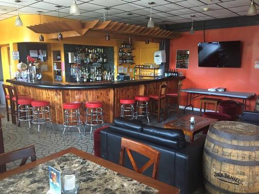 Ypao Breeze Inn - Tamuning - Bar