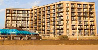 Surfbreak Oceanfront Hotel Ascend Hotel Collection - Virginia Beach - Rakennus