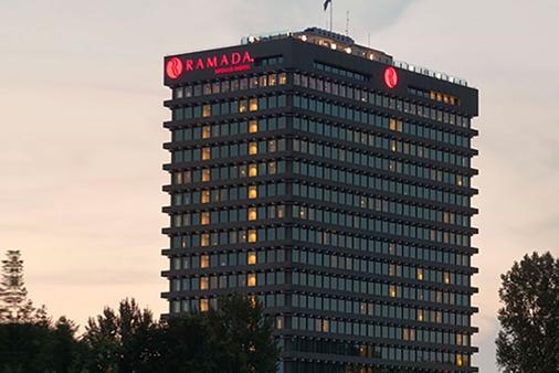 Ramada by Wyndham Apollo Amsterdam Centre - Amsterdam - Bina