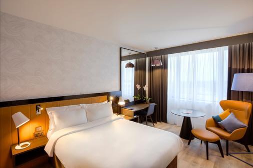 Radisson Blu Hotel, Dublin Airport - Cloghran - Bedroom