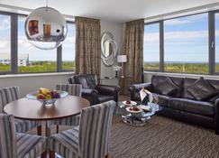 Radisson Blu Hotel, Dublin Airport - Cloghran - Living room