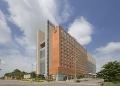 Sheraton Hyderabad Hotel - Hyderabad - Budynek