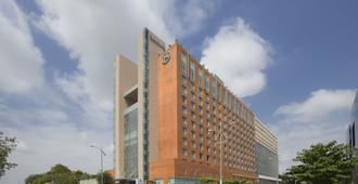 Sheraton Hyderabad Hotel - Hyderabad - Edificio
