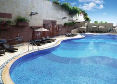 8 度海逸酒店 - 香港 - 游泳池