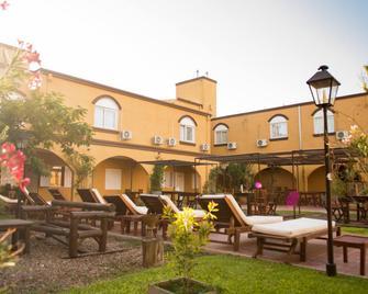 Hotel y Spa San Carlos - San Antonio de Areco - Edificio