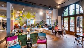 Stayokay Hostel Amsterdam Oost - Amsterdam - Lobby