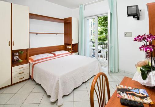 阿迪格拉特飯店 - 里喬內 - 臥室
