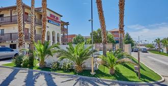 Ez 8 Motel Palmdale - Palmdale - Building