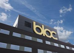 Bloc Hotel Gatwick - Gatwick - Building