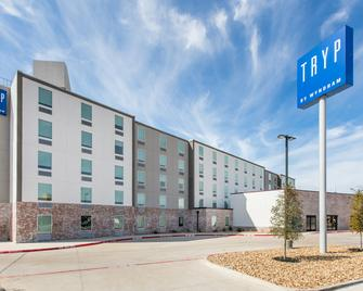 TRYP by Wyndham College Station - Колледж Стейшн - Building