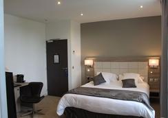 Hotel Restaurant L'Esturgeon - Poissy - Chambre