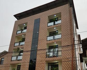 Flat Hotel Kandolo Gombe - Kinshasa - Gebäude