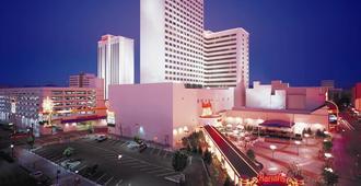 Harrah's Casino Hotel Reno - Reno - Building