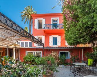 Hôtel La Villa Patricia - Villefranche-sur-Mer - Building