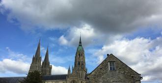 La Tour Louise - Bayeux - Vista del exterior