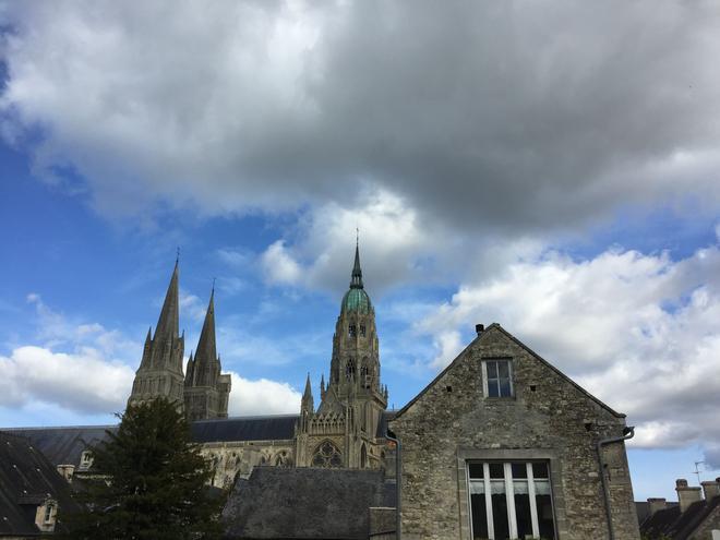 La Tour Louise - Bayeux - Näkymät ulkona