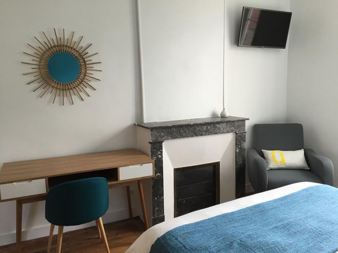 La Tour Louise - Bayeux - Bedroom