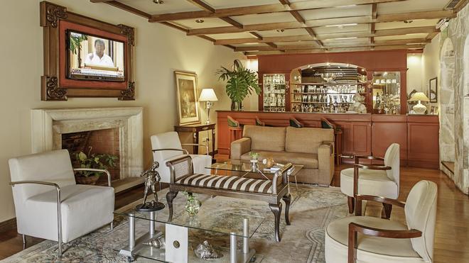 Las Lomas Casa Hotel - Ασουνθιόν - Bar