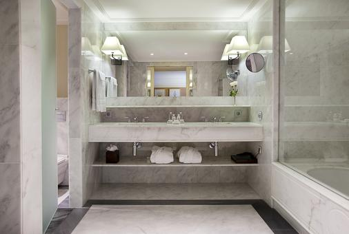 Majestic Hotel & Spa Barcelona - Barcelona - Banheiro