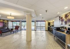 克利爾沃特機場紅屋頂酒店 - 清水 - 克利爾沃特 - 大廳