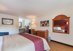 Red Roof Inn Ft Pierce - Fort Pierce - Bedroom