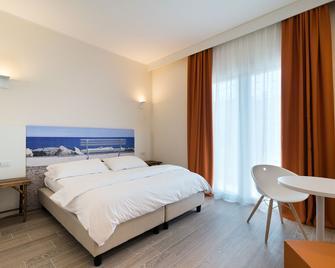 Smart Hotel Mediterraneo - Chioggia - Bedroom