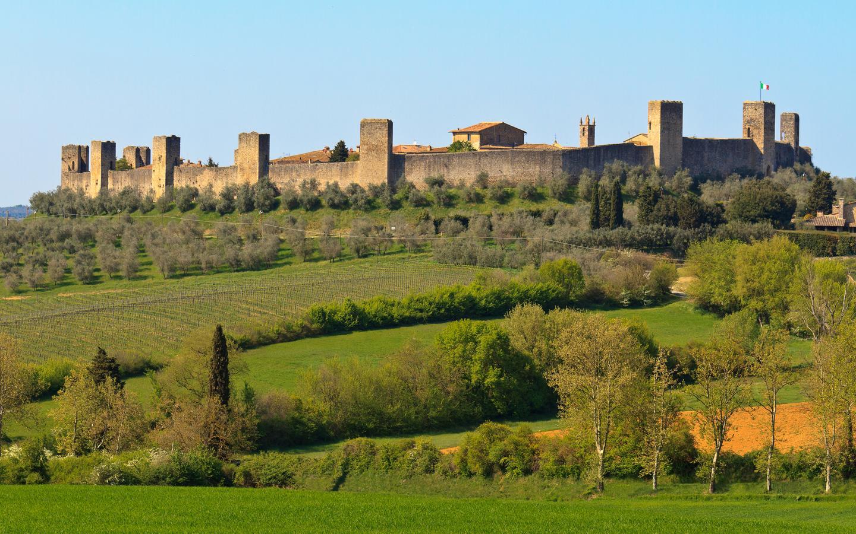 Monteriggioni hotels